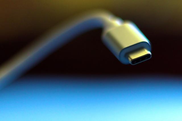 usb-c-oplader-kabel-4718921_640